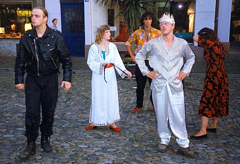 Prolog: 1993 - Die Nibelungensage als Straßentheater