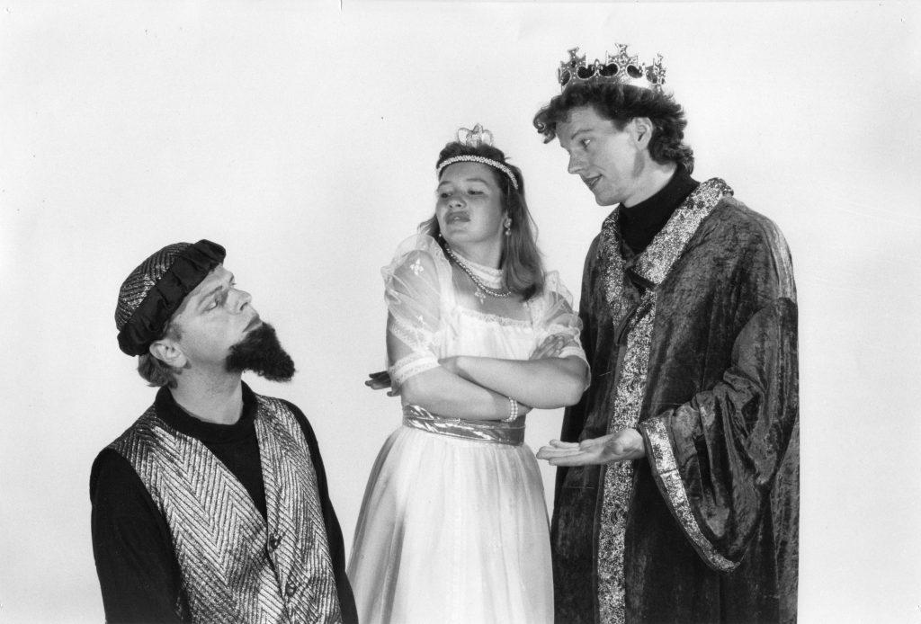 Prolog: 1995 - König Drosselbart